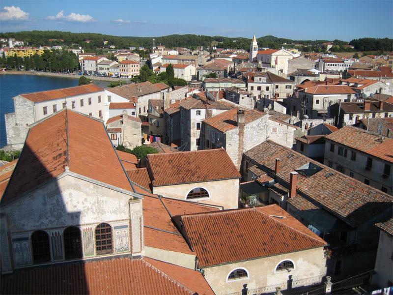 Вид на исторический квартал Пореча с Евфразиевой базилики