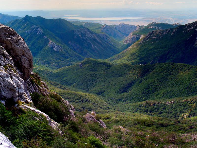 Парк Пакленица знаменит своими живописными горными каньонами